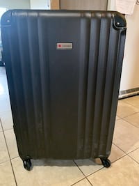 Large check-in luggage - hard shell Surrey, V3W 7Z8