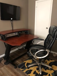 New Studio desk with Extra  Forest Park, 30297