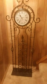 Standing clock perfect condition. 41 km