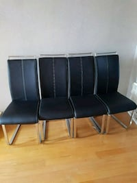 4 dining chairs Mississauga, L5R 3Z1