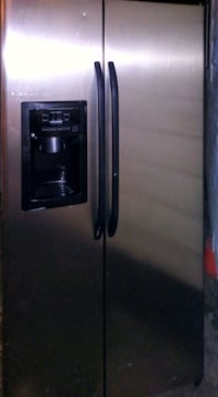 GE refrigerator. With ice maker