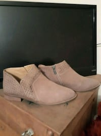 Booties - 9M - Lucky