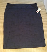 NWTNavy with black accents pencil skirt from RW&CO Mississauga, L5E