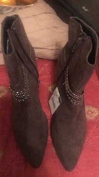 ankle high boots gray size 7 North Charleston, 29406