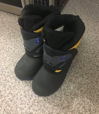 TODDLER SNOW BOOTS SIZE 7 Toronto, M3N