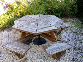 Octogan picnic table