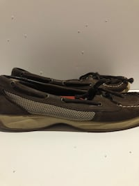 Pair of brown boat shoes Erie, 16502