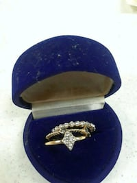 Goldtone  ring and cz's in box 7 size Dumfries, 22026