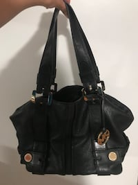 black leather 2-way handbag Ottawa, K2P 2G7