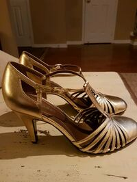 New gold leather sandals