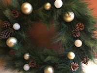 pinecone  and bulb wreath Sterling Heights, 48313
