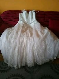 wedding dresses brand new 1300 Toronto, M4H 1L5