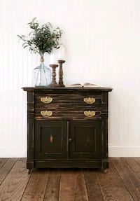 Antique Washstand- End Table/Nightstand/Accent Table Aldie, 20105