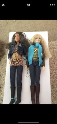 two blue and brown dressed dolls Victorville, 92394