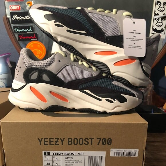 Adidas Yeezy Wave Runner 700 size 5.5