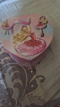 Musical jewellery box Brampton, L6R 1K6