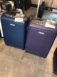 "Medium 24"" SWISSGEAR  suitcases luggage navy blue purple / valises moyenne mauve bleu Montréal, H2G"