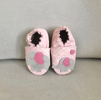 Robeez elephant moccasin slippers Mississauga, L5M 0H2