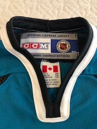 Kids authentic sharks jersey - fits 6-8 y/o 2390 mi