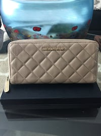 Michael Kors Quilted Leather Jet Set Large Travel Wallet**August Special**10% off posted price. 3749 km