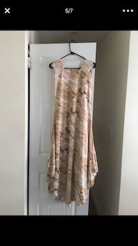 Women's brown and white floral sleeveless dress  Jersey City, 07304