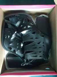 pair of black chunky heels in box Sacramento, 95815