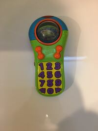 Green and blue bright starts plastic talking remote toy! Stafford, 22554