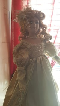 Antique doll. Baltimore, 21230