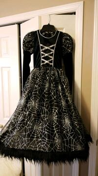 Spider Witch Halloween costume 6/6x Pitt Meadows, V3Y 1H4