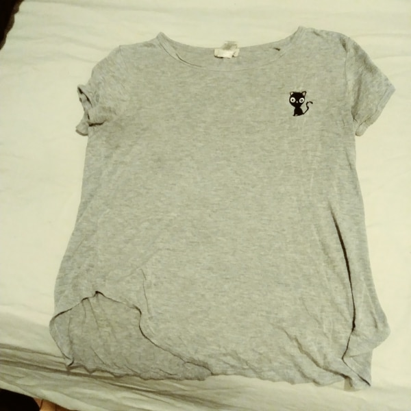 972d52d0d8c3 Used gray crew-neck t-shirt with cute black cat logo women s for sale in  Barryville