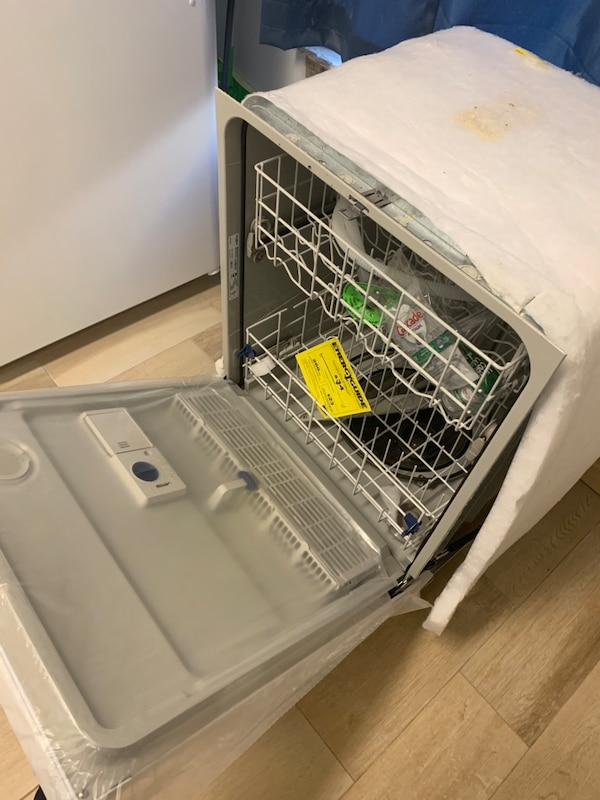 Dishwasher 075e9488-3e0c-40ae-a21f-ee4b52334fb1