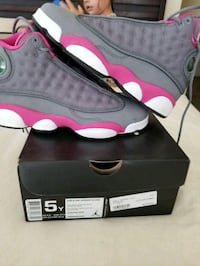 black-and-red Air Jordan 13 shoes Fresno, 93704