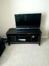 Sony TV + TV Stand Spring