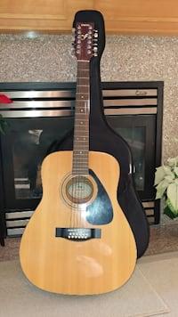 Yamaha 12 string Excellent condition null