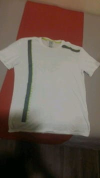 ARMANI EXCHANGE White Tee $40 obo Winnipeg, R3B 2G9