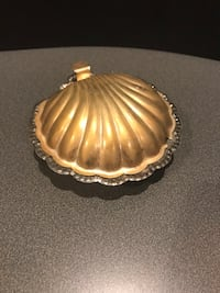 Antique Shell Clam Shape Ash Tray Or Trinket Case - Unusual & Beautiful Muttontown, 11791