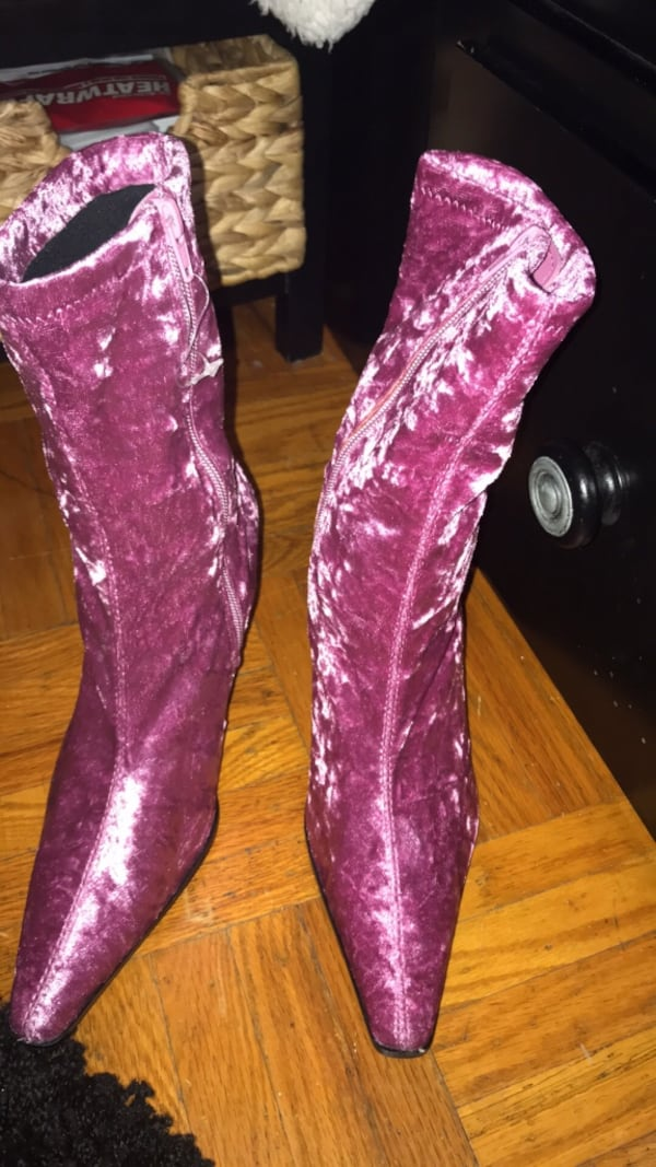 women's pink and white floral print boots f94c96ff-f0bf-4878-b2fd-33c508ff3967
