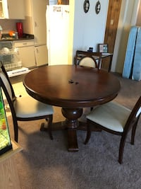 Solid wood table and chairs Bryan, 77802