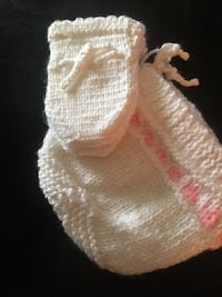 New born Bonnet and Booties for a girl , V2R