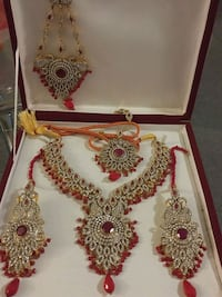 Indian/pakistani Bridal jewelry..red....worn once.
