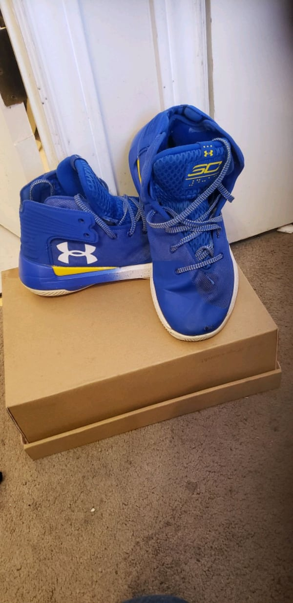 UNDER ARMOUR RUNNERS 4