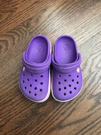 Crocs for toddler, size 6/7 Милтон, L9T 8Z7