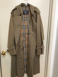 Authentic Burberry thrench coat for men. Jurupa Valley, 92509