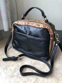 black leather 2-way handbag Vancouver, V6P 2X3