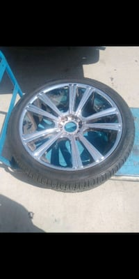 chrome multi-spoke auto wheel with tire Las Vegas, 89110