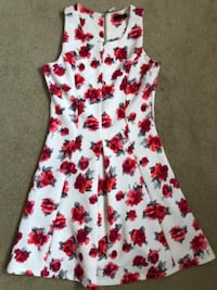 Pretty floral dress null