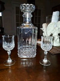 Square crystal decanter  Cornwall, ON, Canada, K6H