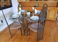 DINING ROOM TABLE AND 6 CHAIRS  Kitchener, N2E 1E3