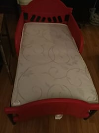 baby's red and white travel cot Dartmouth, B2X 1L7