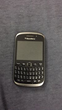 black and gray BlackBerry QWERTY phone 3736 km